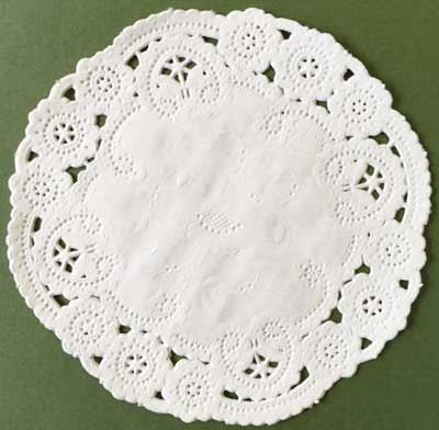 """4"""" Ivory Round Princess Paper Lace Doilies"""